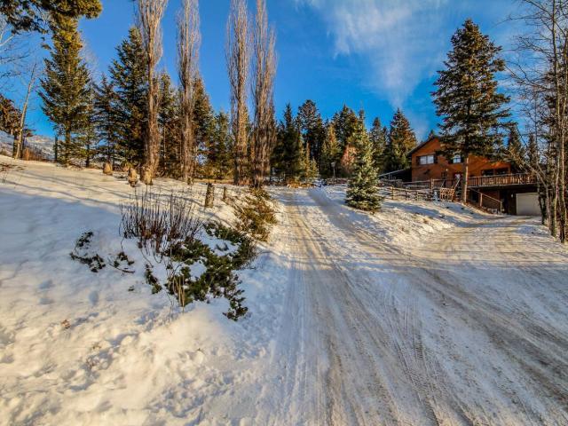 232 THRISSEL PLACE, Logan Lake, 3 bed, 2 bath, at $389,900