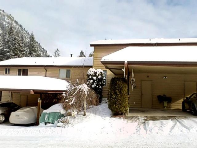 1801 PAUL LAKE ROAD, Kamloops, 2 bed, 3 bath, at $359,900