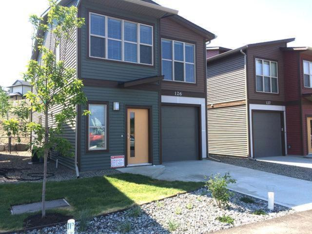 1850 HUGH ALLAN DRIVE, Kamloops, 2 bed, 3 bath, at $399,900