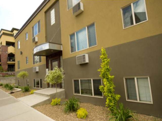430 4TH AVE, Kamloops, 2 bed, 1 bath, at $279,900