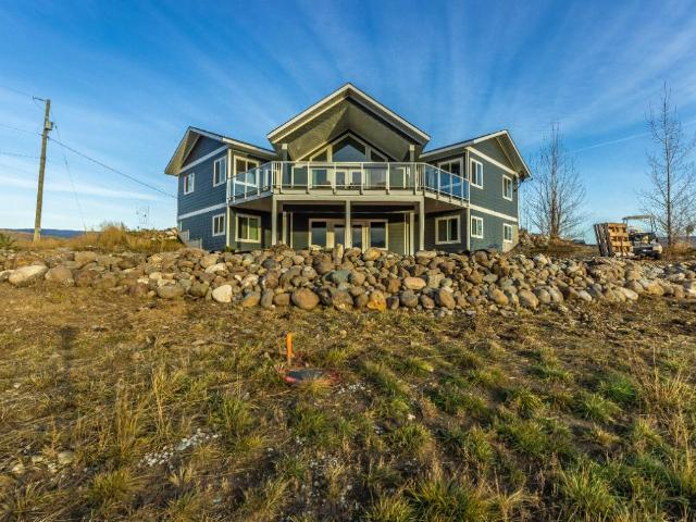 1324 PINECREST PLACE, Kamloops, 5 bed, 3 bath, at $725,000