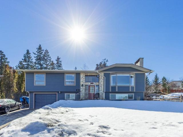695 FLEMING DRIVE, Kamloops, 3 bed, 3 bath, at $549,900